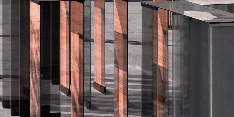 SEFAR mesh laminated glass PR Copper 260 25. Festival Hall close up