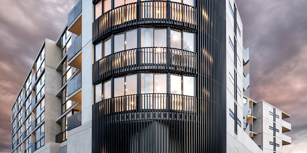 Optitherm. Pier 1 apartments external 3 qtr. Photograpy by Emma Cross